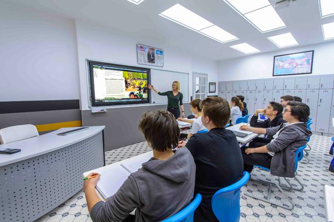 Saint Benoît Lisesi'nde, eğitimde dijital dönüşüm Vestel ile yaşanıyor